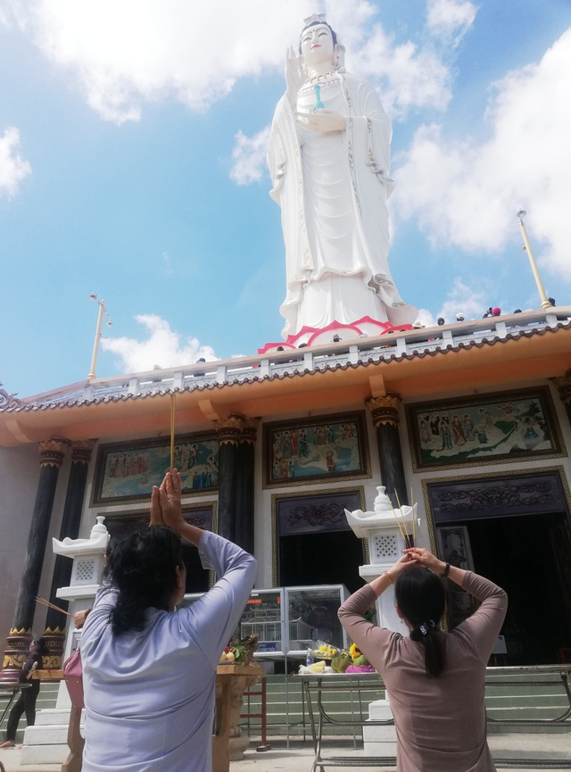 Đầu năm, thăm ngôi chùa có tượng Phật Quan Âm cao nhất miền Tây - 8