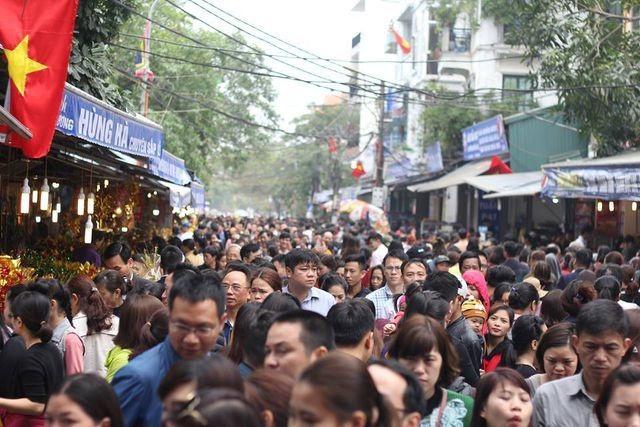 Chủ tịch Hà Nội yêu cầu cán bộ không đi lễ hội để tập trung làm việc - 1