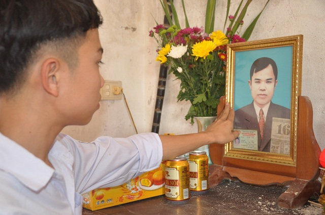 Nước mắt cay đắng của cậu bé mất cả cha lẫn mẹ - 3