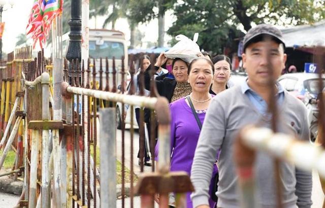 Khách sạn, nhà nghỉ tăng giá đột biến vẫn cháy phòng ở lễ Khai ấn Đền Trần - 1