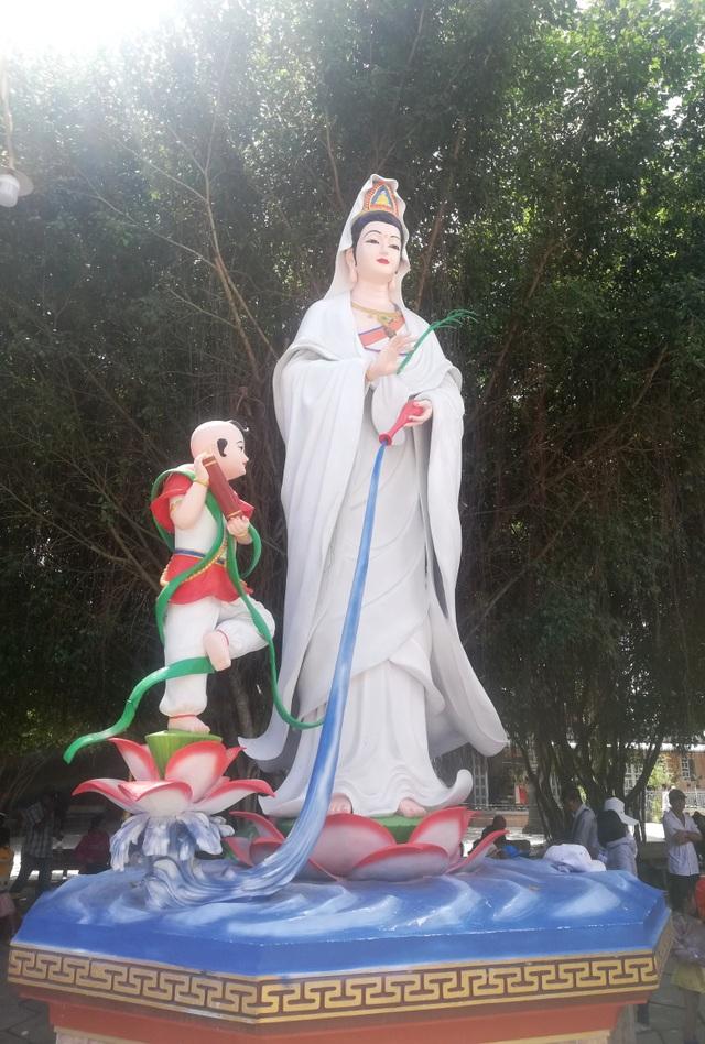 Đầu năm, thăm ngôi chùa có tượng Phật Quan Âm cao nhất miền Tây - 9