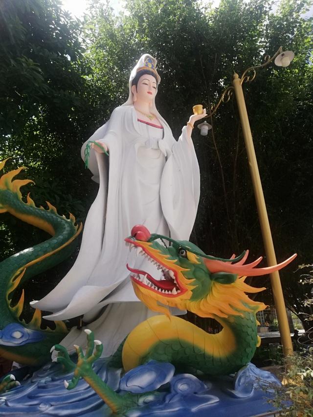 Đầu năm, thăm ngôi chùa có tượng Phật Quan Âm cao nhất miền Tây - 10