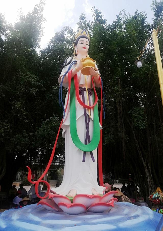 Đầu năm, thăm ngôi chùa có tượng Phật Quan Âm cao nhất miền Tây - 19