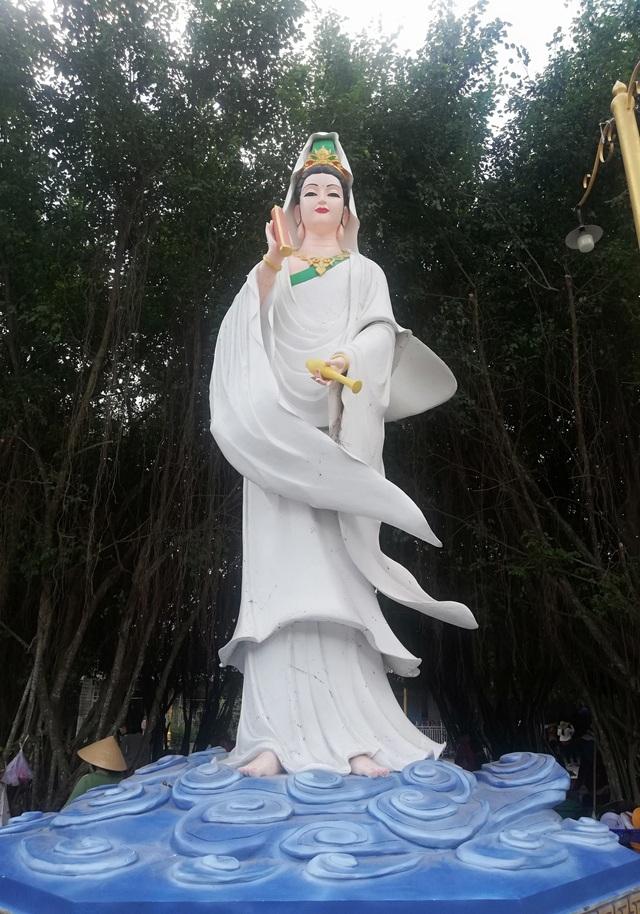Đầu năm, thăm ngôi chùa có tượng Phật Quan Âm cao nhất miền Tây - 21