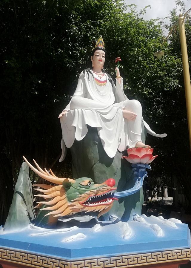 Đầu năm, thăm ngôi chùa có tượng Phật Quan Âm cao nhất miền Tây - 27