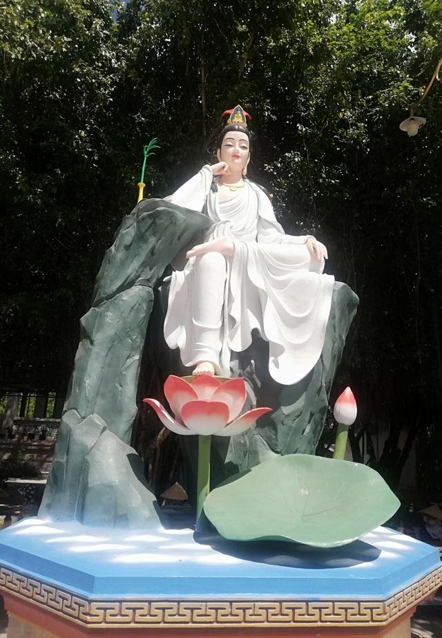 Đầu năm, thăm ngôi chùa có tượng Phật Quan Âm cao nhất miền Tây - 31