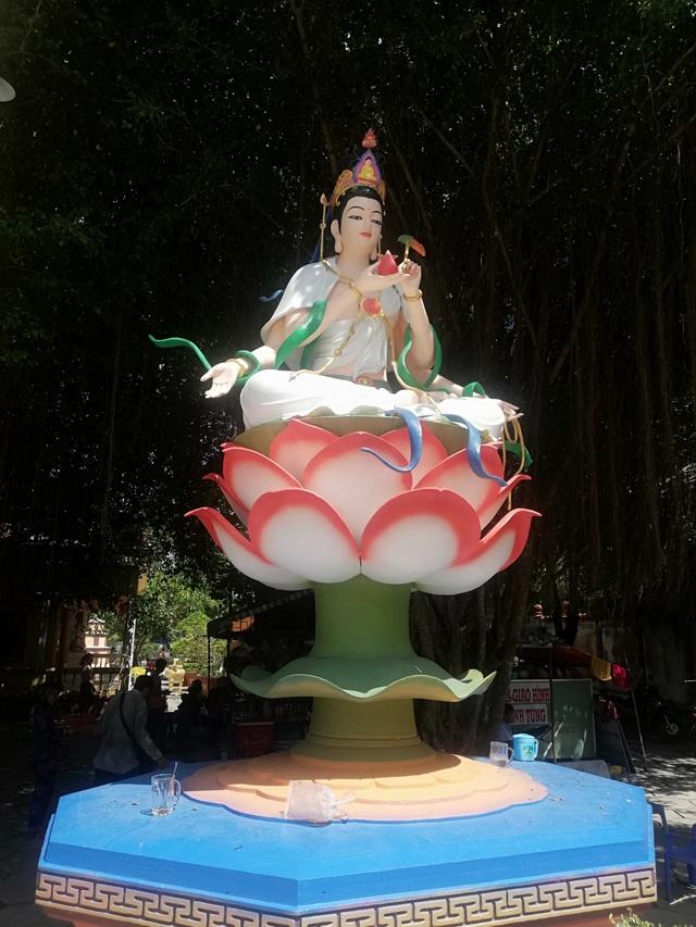 Đầu năm, thăm ngôi chùa có tượng Phật Quan Âm cao nhất miền Tây - 40