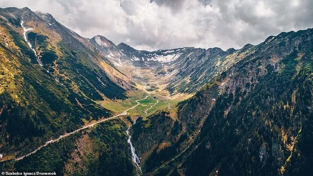 """Những bức ảnh đầy mê hoặc về con đường """"đẹp nhất thế giới"""" - 6"""