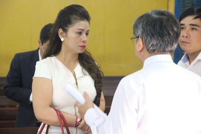 Bà Lê Hoàng Diệp Thảo từng đề nghị tòa công bố Đặng Lê Nguyên Vũ bị tâm thần