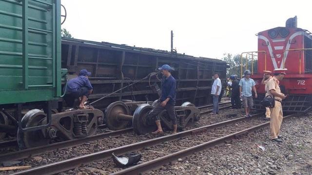 7 giờ nỗ lực khắc phục sự cố lật tàu, thông tuyến đường sắt Bắc - Nam - 3