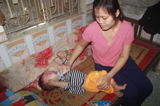 Bạn đọc Dân trí giúp đỡ bé trai bị bệnh u gan hơn 95 triệu đồng - 2