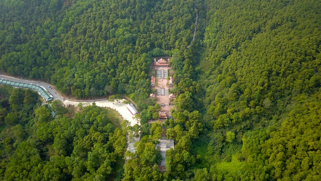 Toàn cảnh đền Chu Văn An trên núi Phượng Hoàng - 15