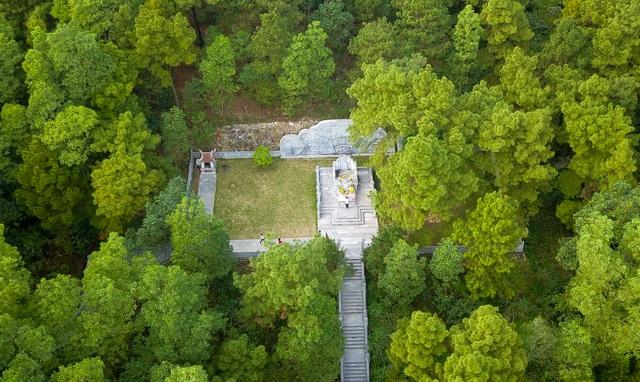 Toàn cảnh đền Chu Văn An trên núi Phượng Hoàng - 14
