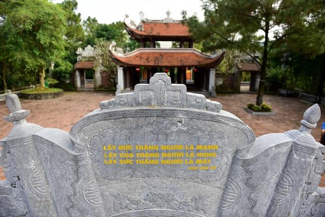 Toàn cảnh đền Chu Văn An trên núi Phượng Hoàng - 13