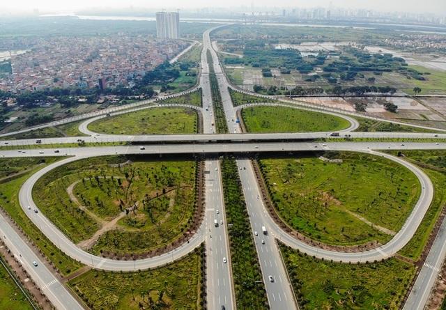 Hối hả chỉnh trang con đường nối từ sân bay Nội Bài về nội đô - 1