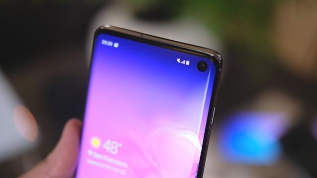 """Cận cảnh bộ 3 Galaxy S10 vừa trình làng: Thiết kế đẹp, cấu hình """"khủng"""" - 13"""