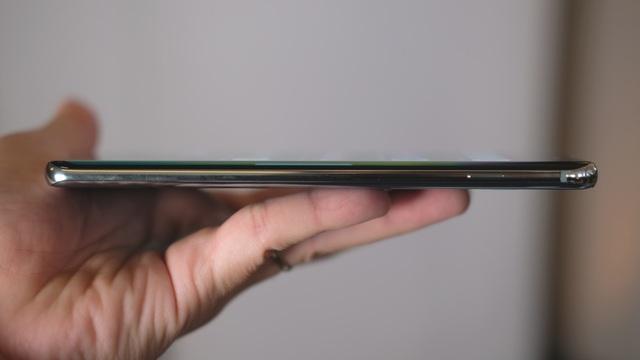 """Cận cảnh bộ 3 Galaxy S10 vừa trình làng: Thiết kế đẹp, cấu hình """"khủng"""" - 9"""