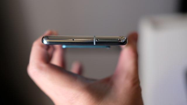 """Cận cảnh bộ 3 Galaxy S10 vừa trình làng: Thiết kế đẹp, cấu hình """"khủng"""" - 10"""