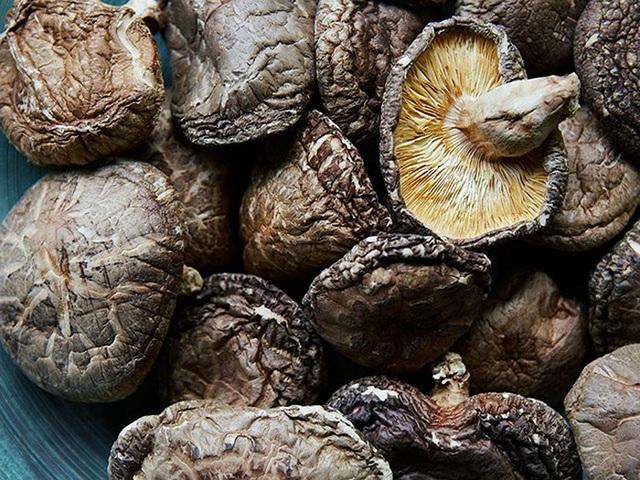Giá gần 10 triệu đồng/kg, nấm hương Nhật được bà nội trợ Việt săn lùng - 1