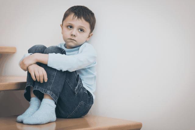 3 tiêu chí giúp cảnh báo tự kỷ ở trẻ mà cha mẹ nhất định phải biết - 1
