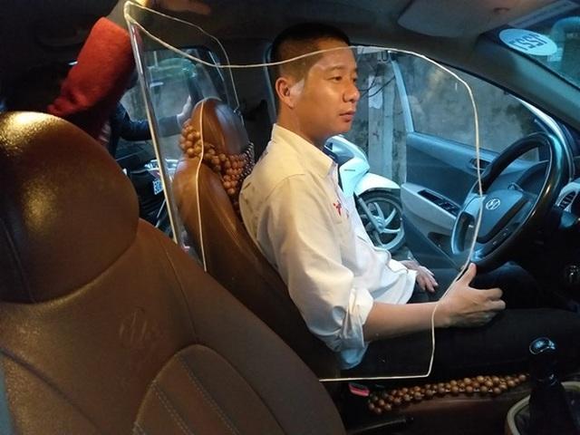 Thử trải nghiệm ô tô lắp khoang chắn bảo vệ tài xế ở Hà Nội - 1