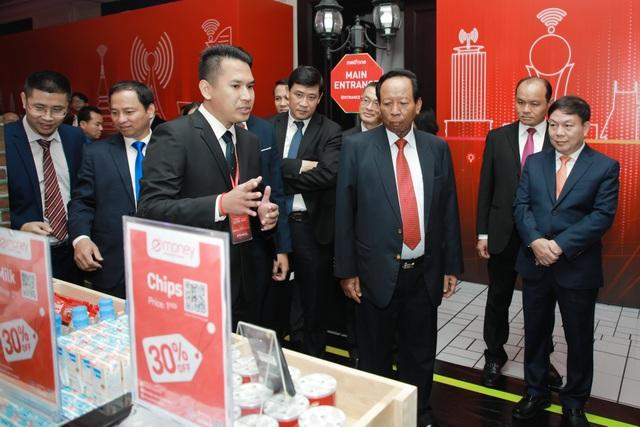 Kỷ niệm 10 năm kinh doanh tại Campuchia, Viettel cam kết tiên phong  xây dựng kinh tế số  - 2