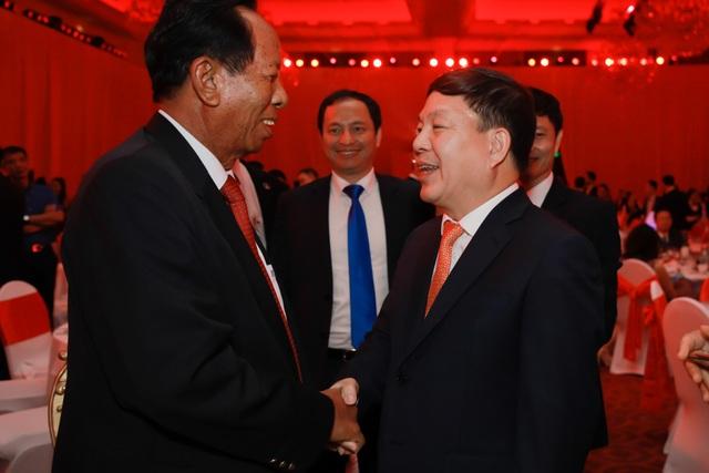 Kỷ niệm 10 năm kinh doanh tại Campuchia, Viettel cam kết tiên phong  xây dựng kinh tế số  - 5