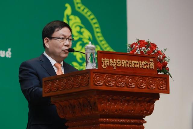 Kỷ niệm 10 năm kinh doanh tại Campuchia, Viettel cam kết tiên phong  xây dựng kinh tế số  - 6