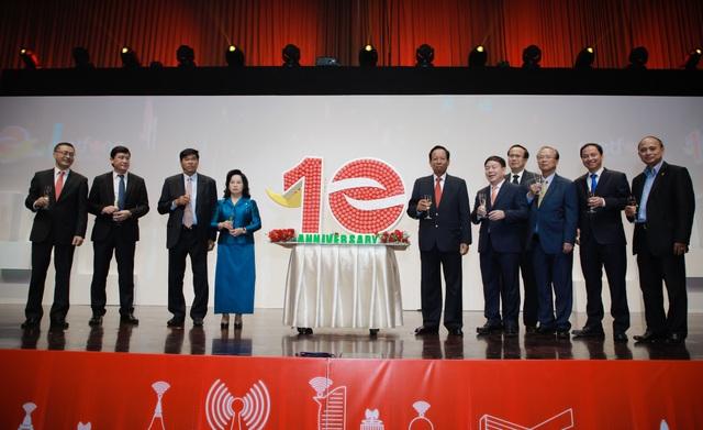 Kỷ niệm 10 năm kinh doanh tại Campuchia, Viettel cam kết tiên phong  xây dựng kinh tế số  - 10