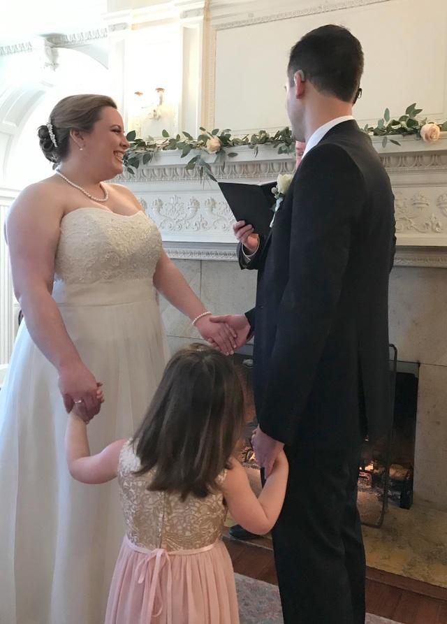 """Chú rể được cấy ốc tai ngay trước lễ cưới: """"Tôi nghe thấy tiếng vỗ tay"""" - 3"""