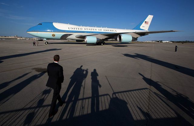 """""""Miễn"""" soi an ninh hàng không với đoàn Tổng thống Donald Trump - 1"""