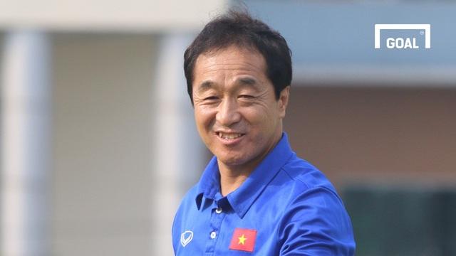 Trợ lý Lee Young Jin tin Việt Nam sẽ làm nên lịch sử ở vòng loại World Cup