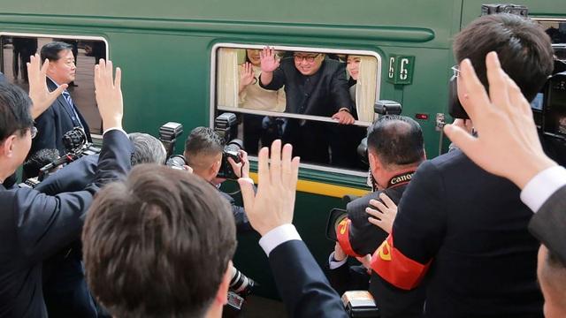 Reuters: Ông Kim Jong-un có thể đi tàu tới Việt Nam - 1