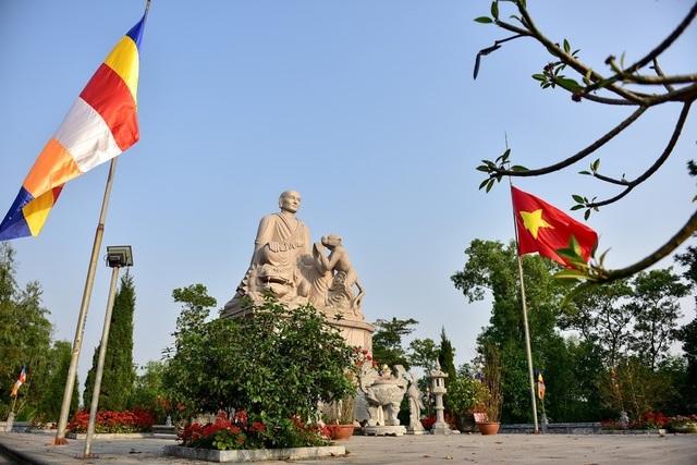 Kỳ lạ ngôi chùa không có hòm công đức, nổi tiếng với pho tượng táng độc nhất Việt Nam - 13