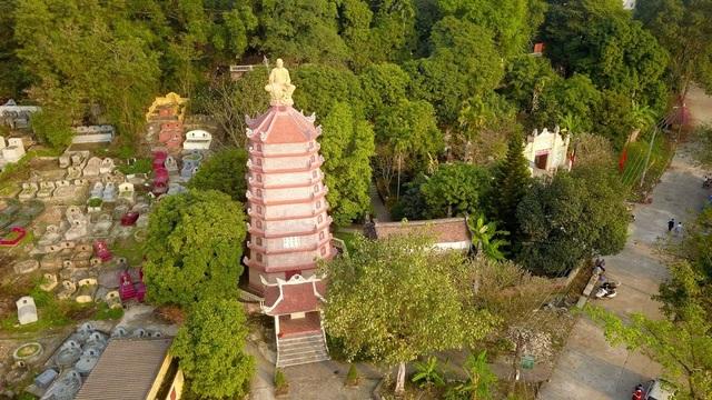 Kỳ lạ ngôi chùa không có hòm công đức, nổi tiếng với pho tượng táng độc nhất Việt Nam - 1