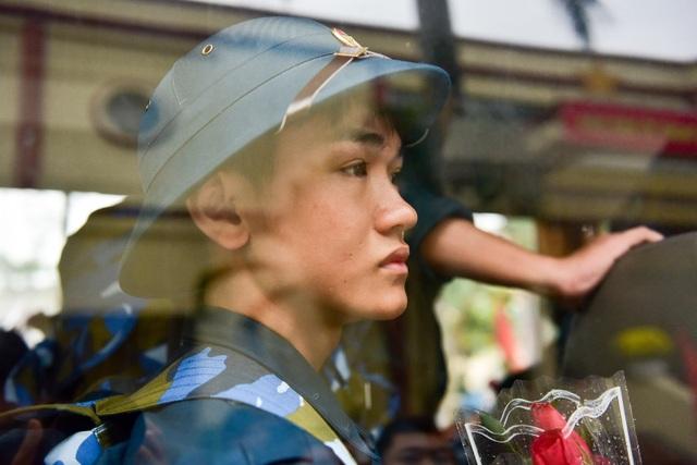 Bí thư Hà Nội trao lửa truyền thống tiễn tân binh lên đường nhập ngũ - 14