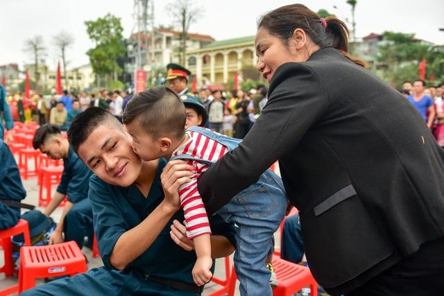 Bí thư Hà Nội trao lửa truyền thống tiễn tân binh lên đường nhập ngũ - 7