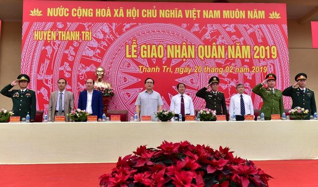 Bí thư Hà Nội trao lửa truyền thống tiễn tân binh lên đường nhập ngũ - 2