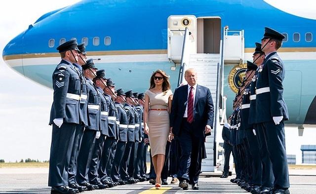"""""""Hàng rào thép"""" bảo vệ Tổng thống Trump khi công du nước ngoài - 1"""