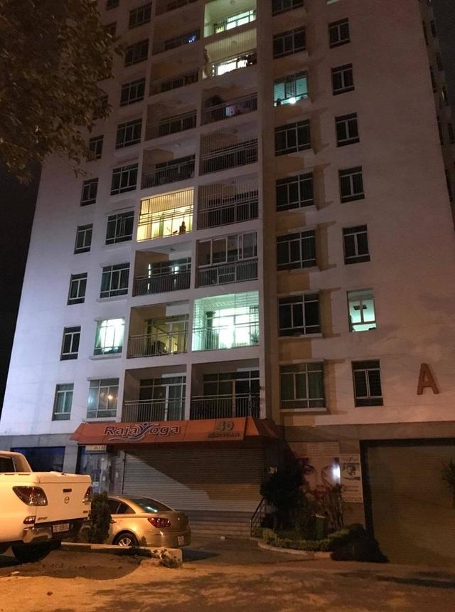Bắt giam người phụ nữ đâm đồng nghiệp tử vong tại chung cư
