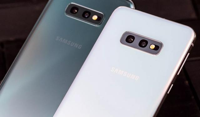 Samsung Galaxy S10E: Đối thủ đáng gờm của iPhone XR - 7