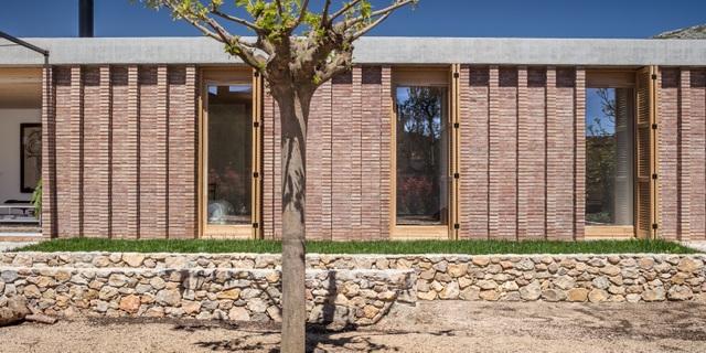 Chiêm ngưỡng ngôi nhà đá xếp chồng lạ đời ở Tây Ban Nha - 10