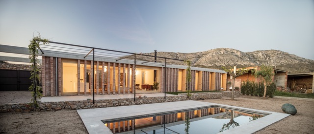 Chiêm ngưỡng ngôi nhà đá xếp chồng lạ đời ở Tây Ban Nha - 5
