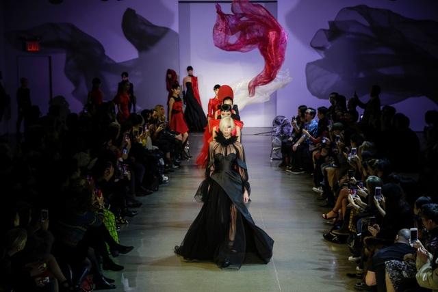 PHUONG MY cộng tác với Ekip thời trang hàng đầu thế giới tại NYFW - 1