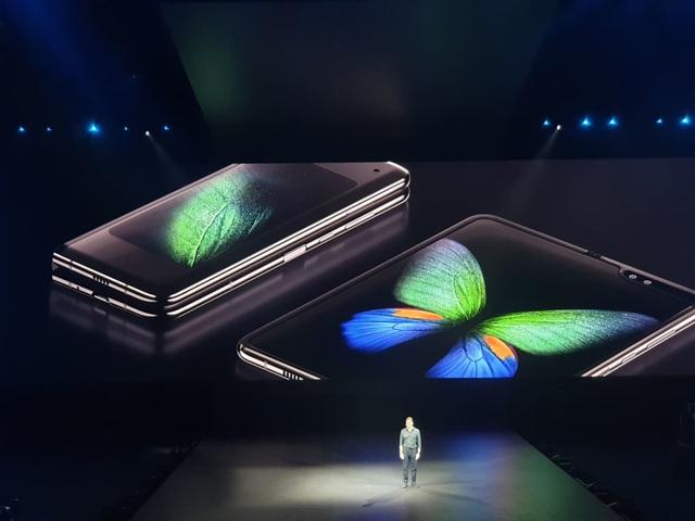 """Điện thoại gập được Galaxy Fold và """"bom tấn"""" Galaxy S10 trình làng - 5"""