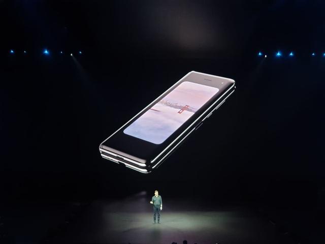 """Điện thoại gập được Galaxy Fold và """"bom tấn"""" Galaxy S10 trình làng - 6"""