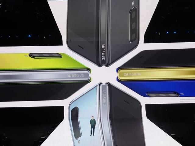 """Điện thoại gập được Galaxy Fold và """"bom tấn"""" Galaxy S10 trình làng - 7"""