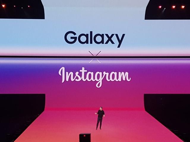"""Điện thoại gập được Galaxy Fold và """"bom tấn"""" Galaxy S10 trình làng - 13"""