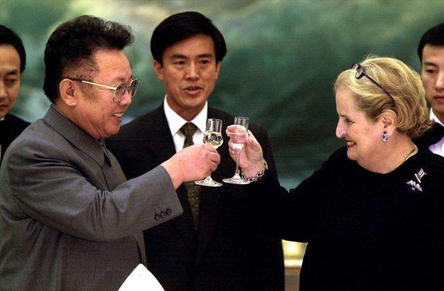 Tới Việt Nam dự thượng đỉnh, ông Kim Jong-un mang khát vọng về hiệp ước hòa bình - 3