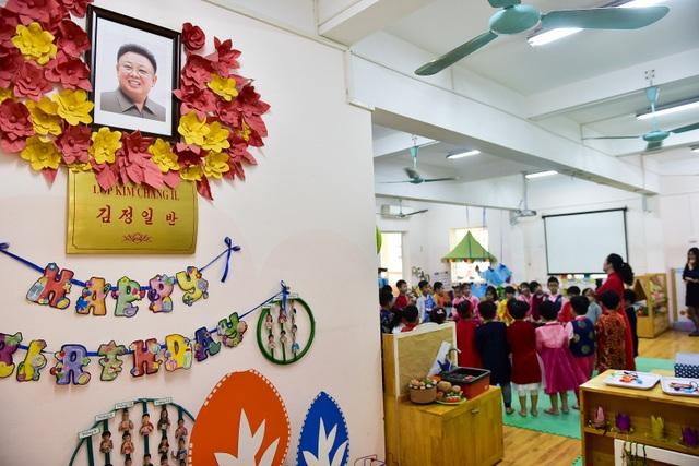 Ngôi trường Hà Nội có lớp học mang tên Kim Nhật Thành, Kim Jong Il - 4